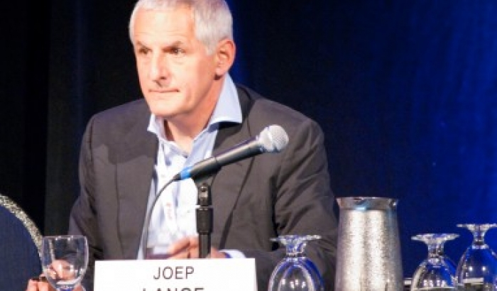 Joep Lange, world expert on AIDS, among the victims of the plane crash in Ukraine